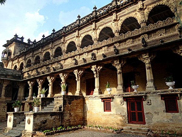 Somnath – Virpur – Gondal – Rajkot (200km/4hrs)