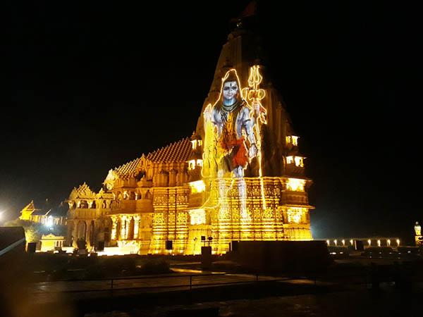 Dwarka – Porbandar – Somnath (200km/ 4hrs)