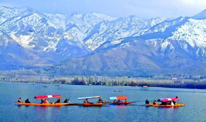 Kashmir Diwali Special Family Tour