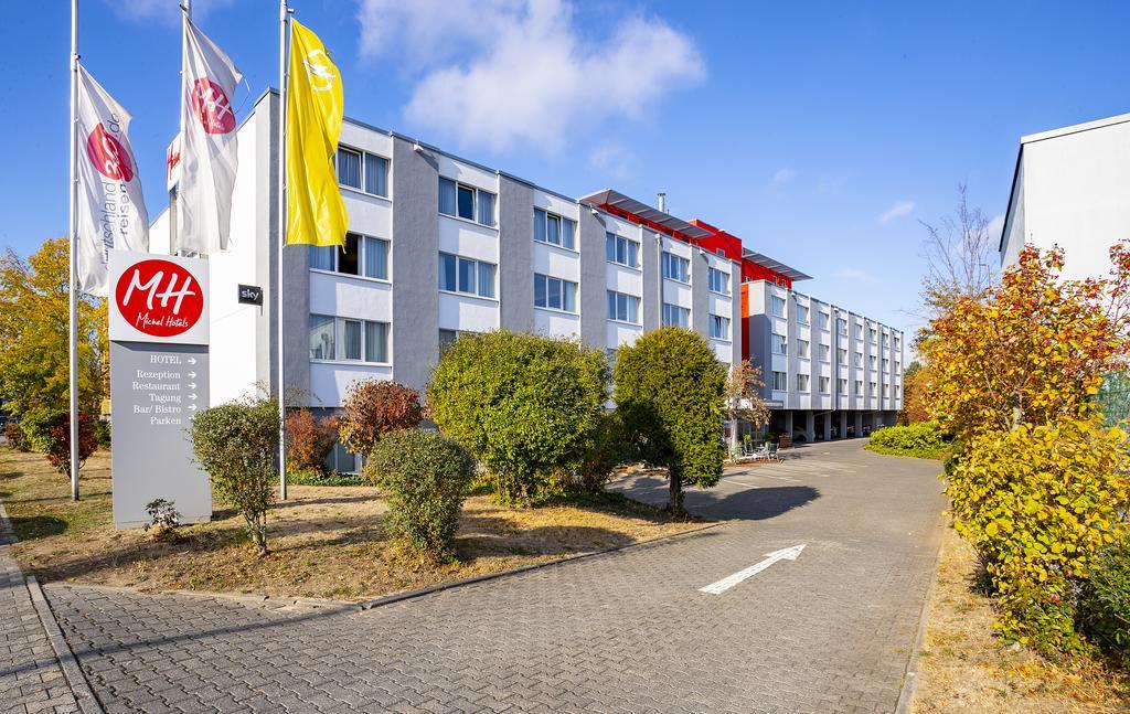 Michel Hotel or similar
