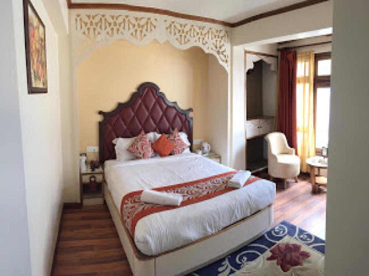 Darjeeling Deluxe Hotel - 1