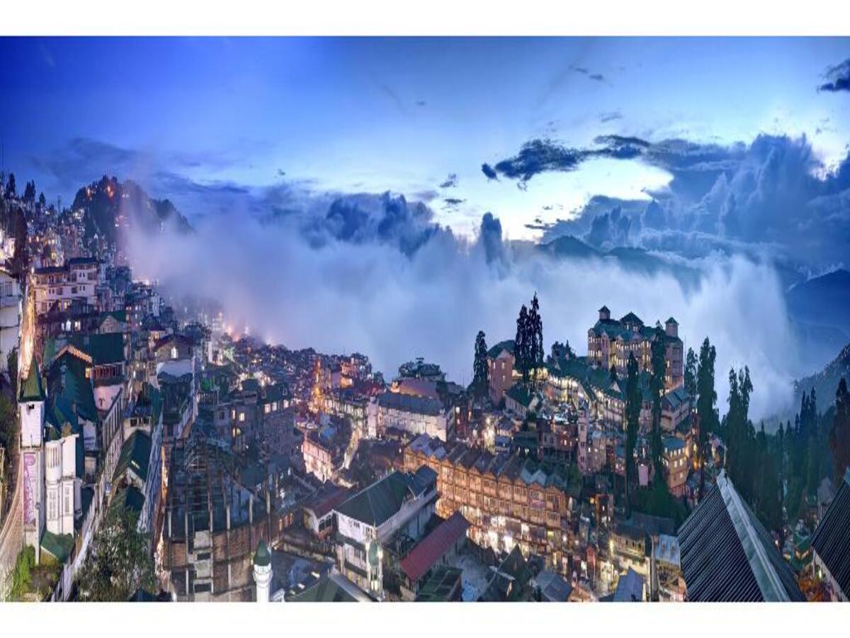 Darjeeling Deluxe Hotel - 2