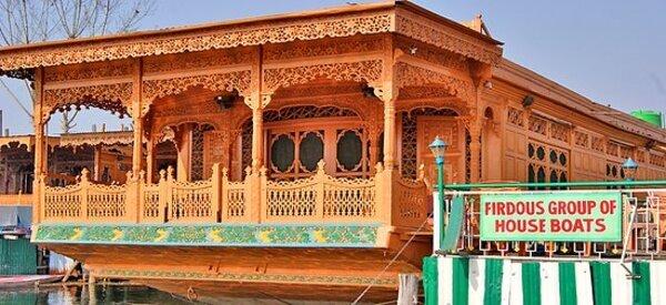 Srinagar-Houseboat-1