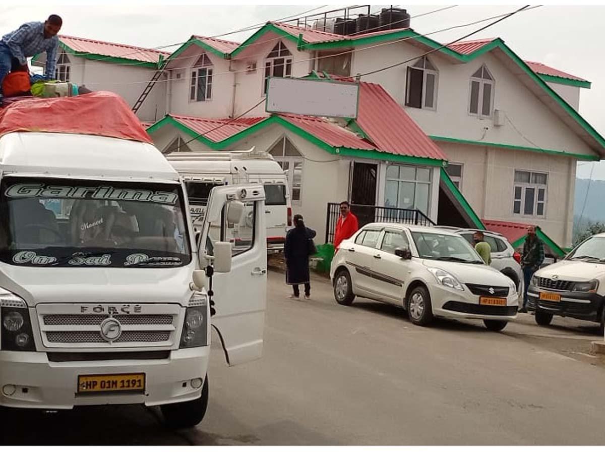 Shimla Deluxe Hotel-1